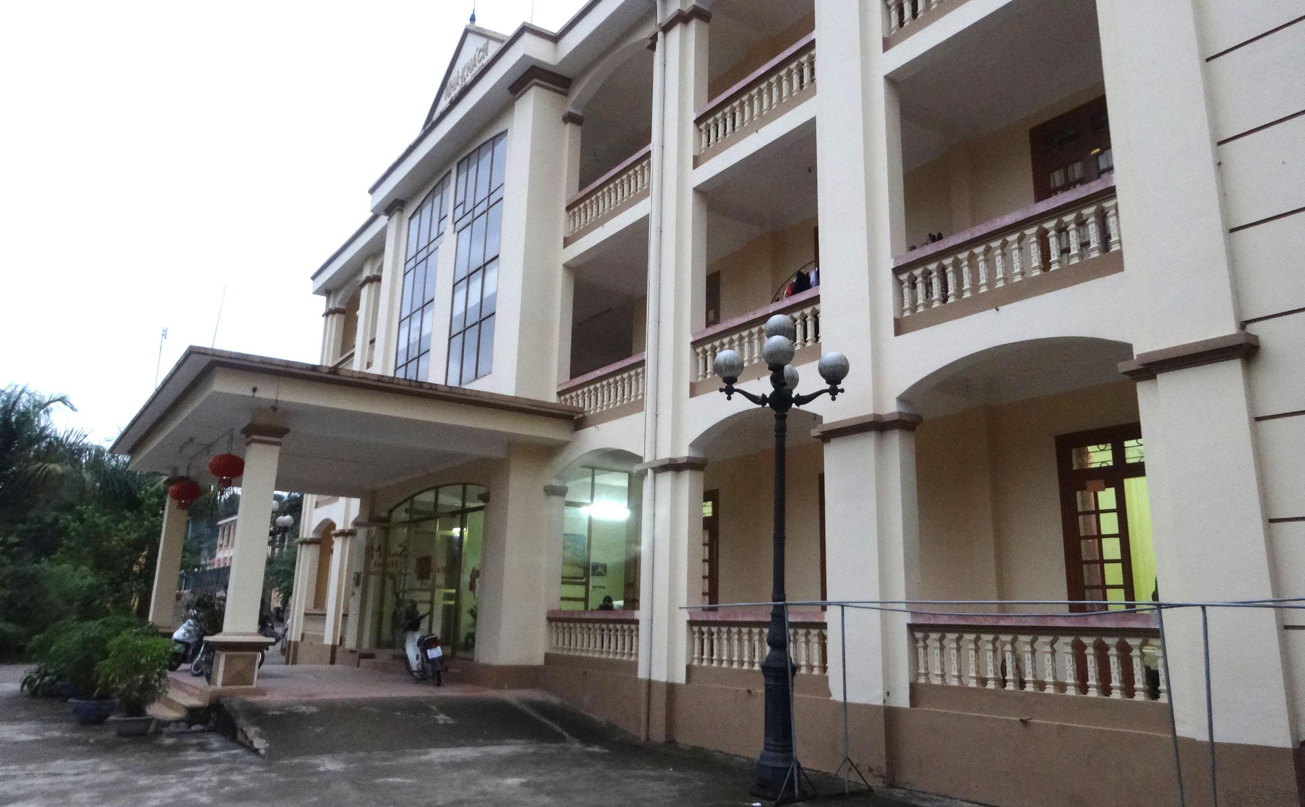 Suoi Mo hotel Group 4 - Mu Cang Chai town